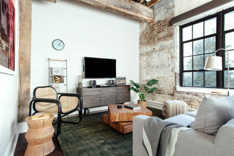 LIVING ROOM WAREHOUSE